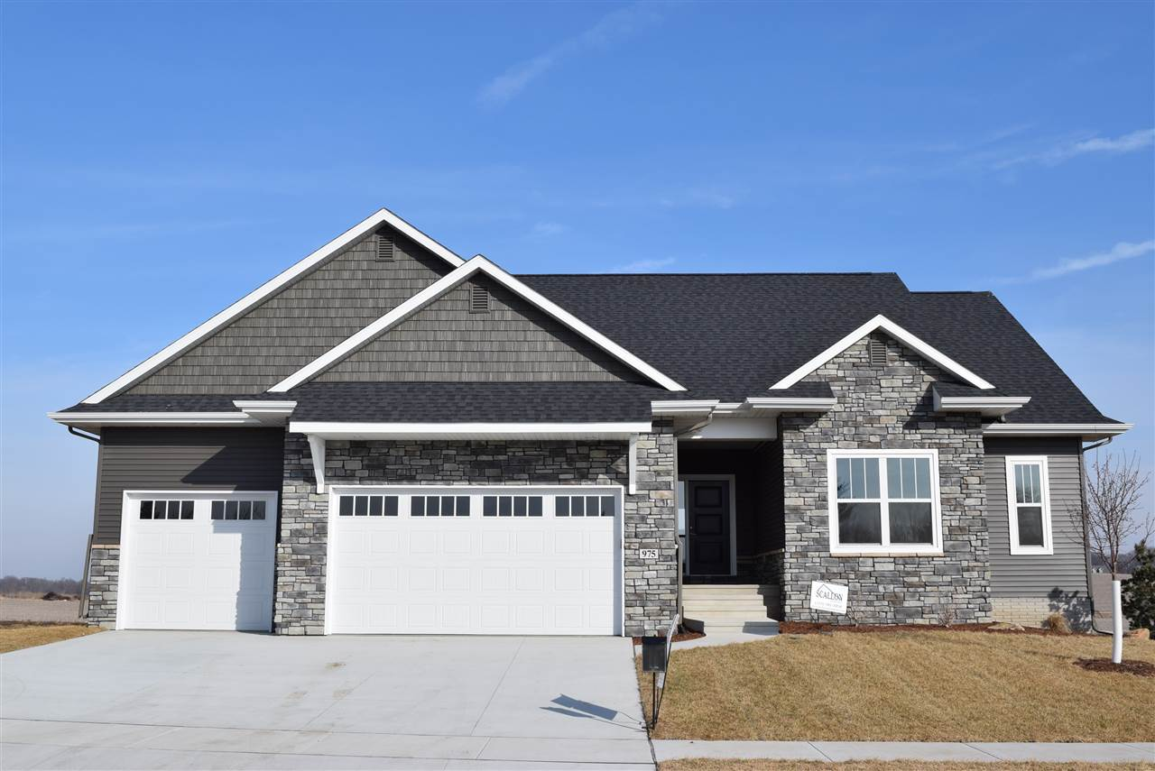 975 Grouse Court, North Liberty, IA 52317