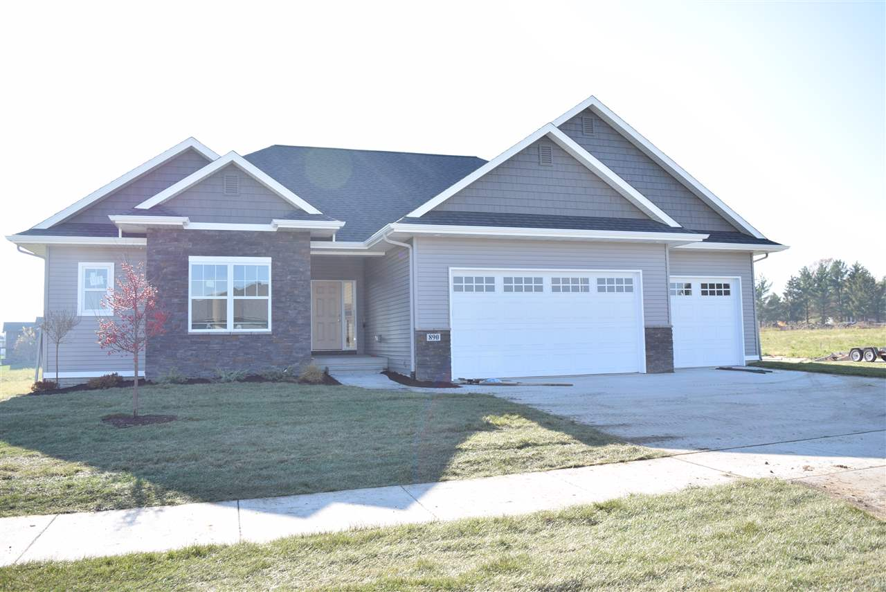 890 Grouse Lane, North Liberty, IA 52317
