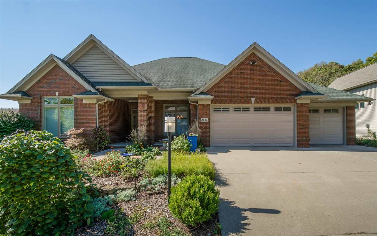 2040 FOREST HILL CIRCLE, Coralville, IA 52241