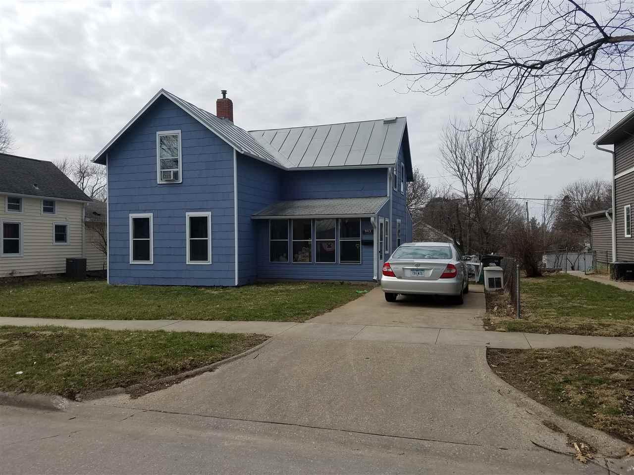 903 Webster, Iowa City, IA 52240