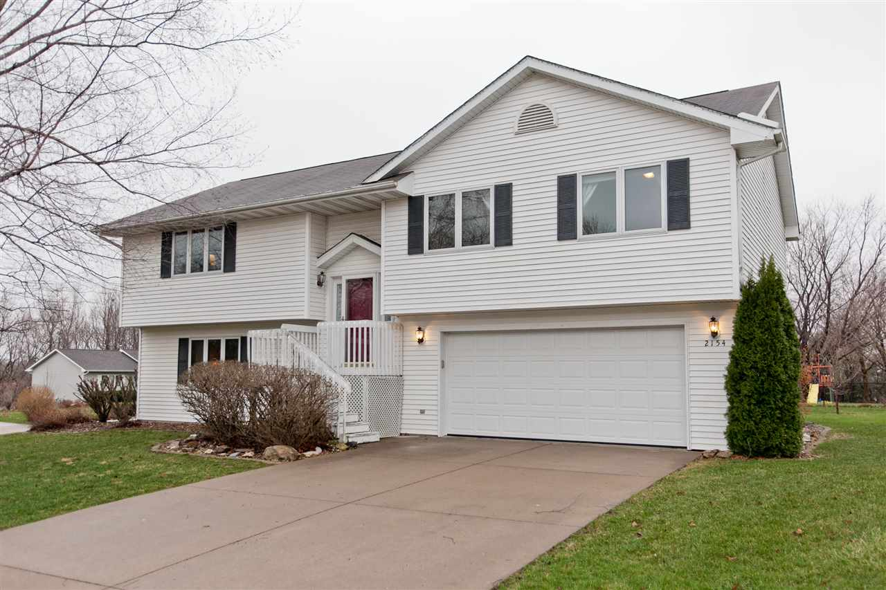 2154 Chad Dr., Coralville, IA 52241