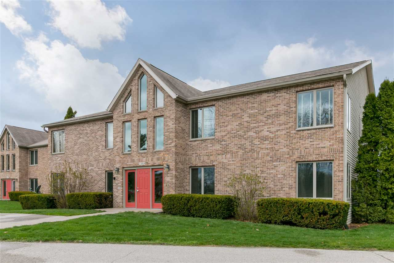 1504 1st Ave No. 2, Coralville, IA 52241