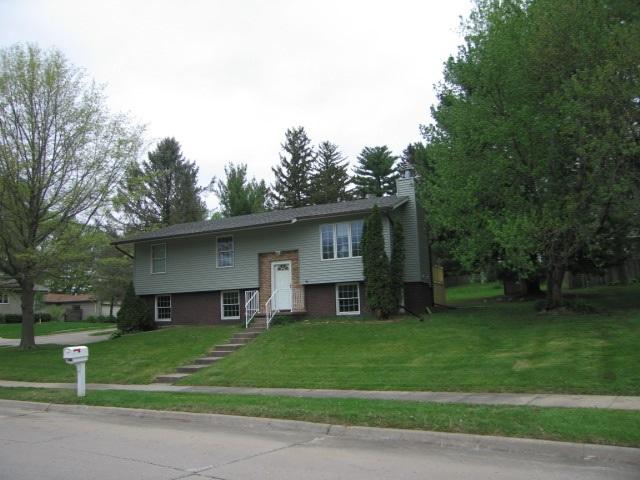 2604 Hillside Dr, Iowa City, IA 52245