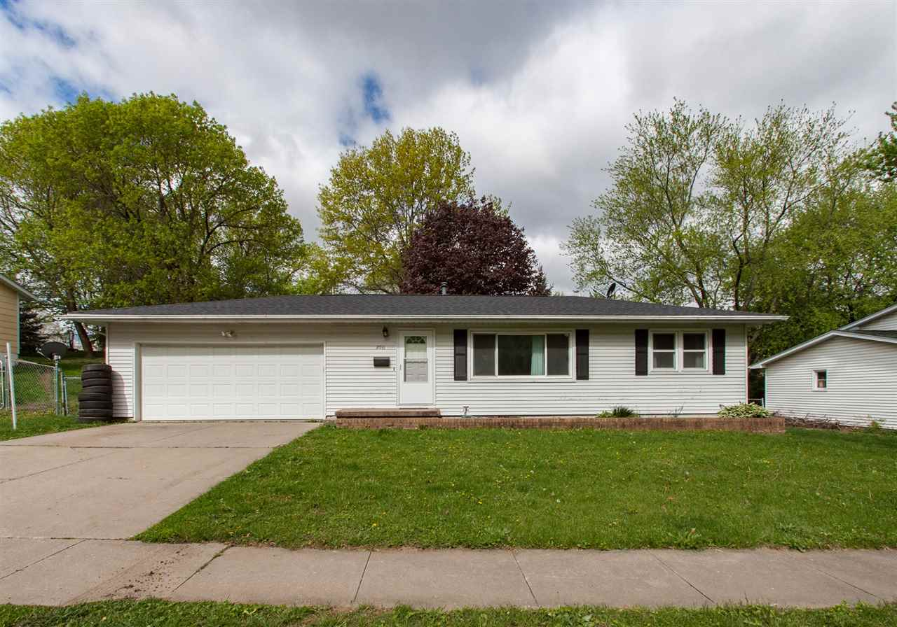 2011 Bancroft Dr, Iowa City, IA 52240