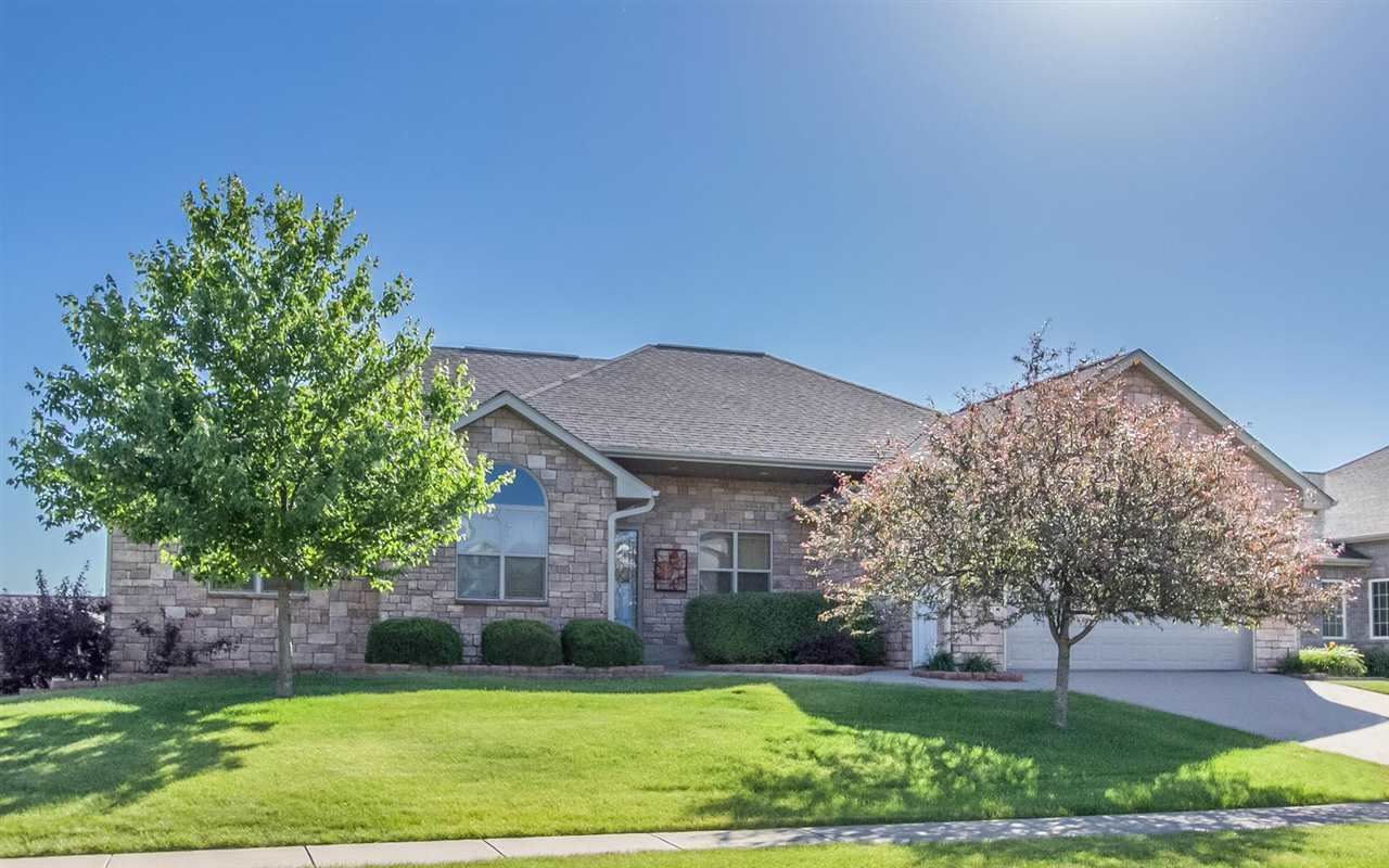 1640 Timber Wolf Dr, North Liberty, IA 52317