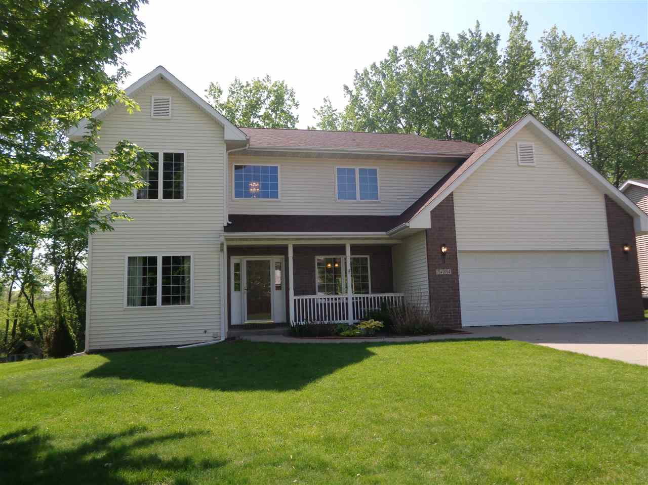 2404 North Ridge Drive, Coralville, IA 52241