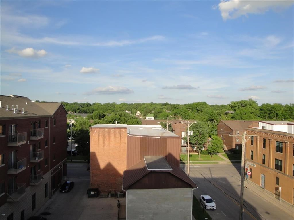 332 S Linn St #220 #220, Iowa City, IA 52240