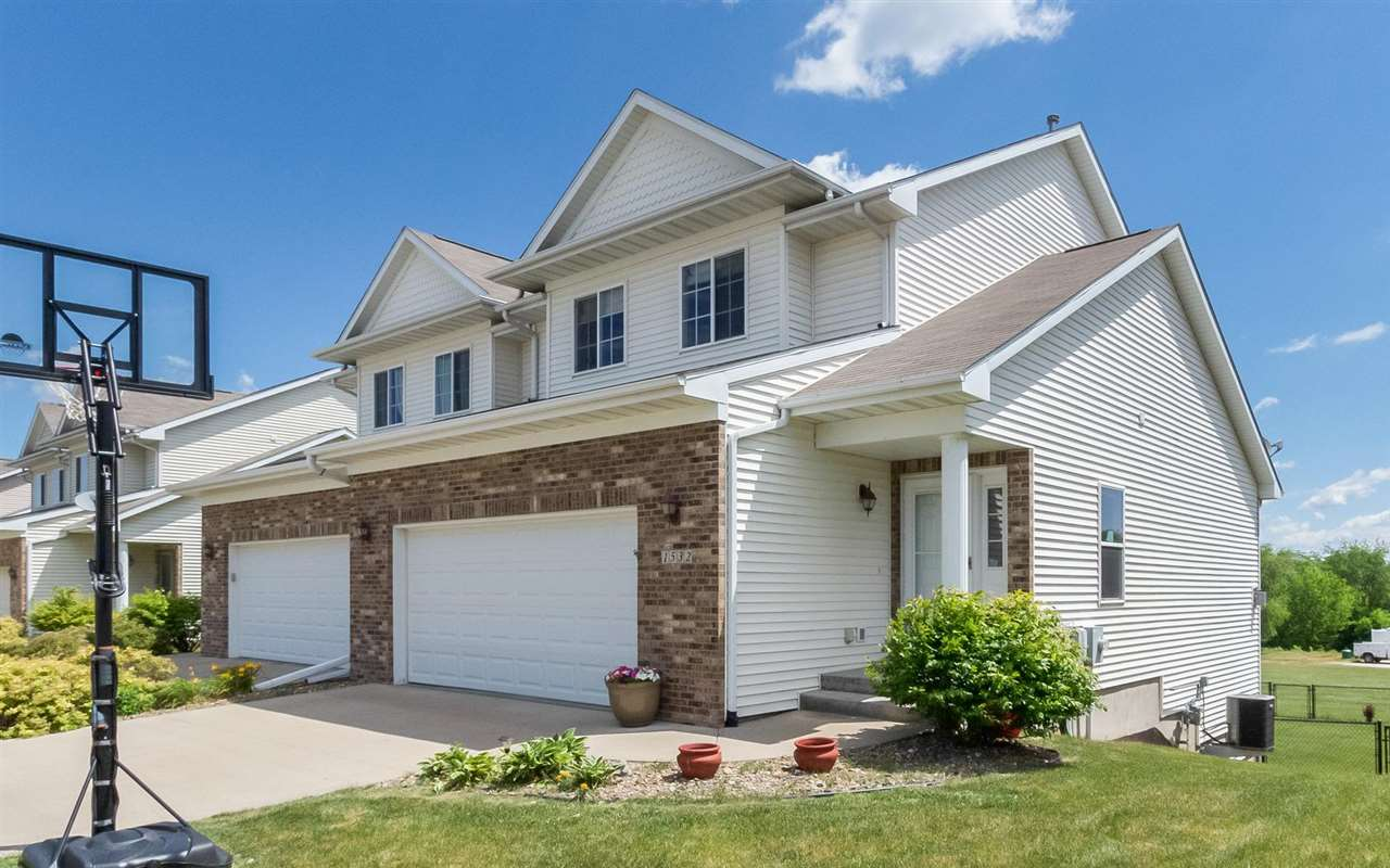 1532 Sadler Dr, North Liberty, IA 52317