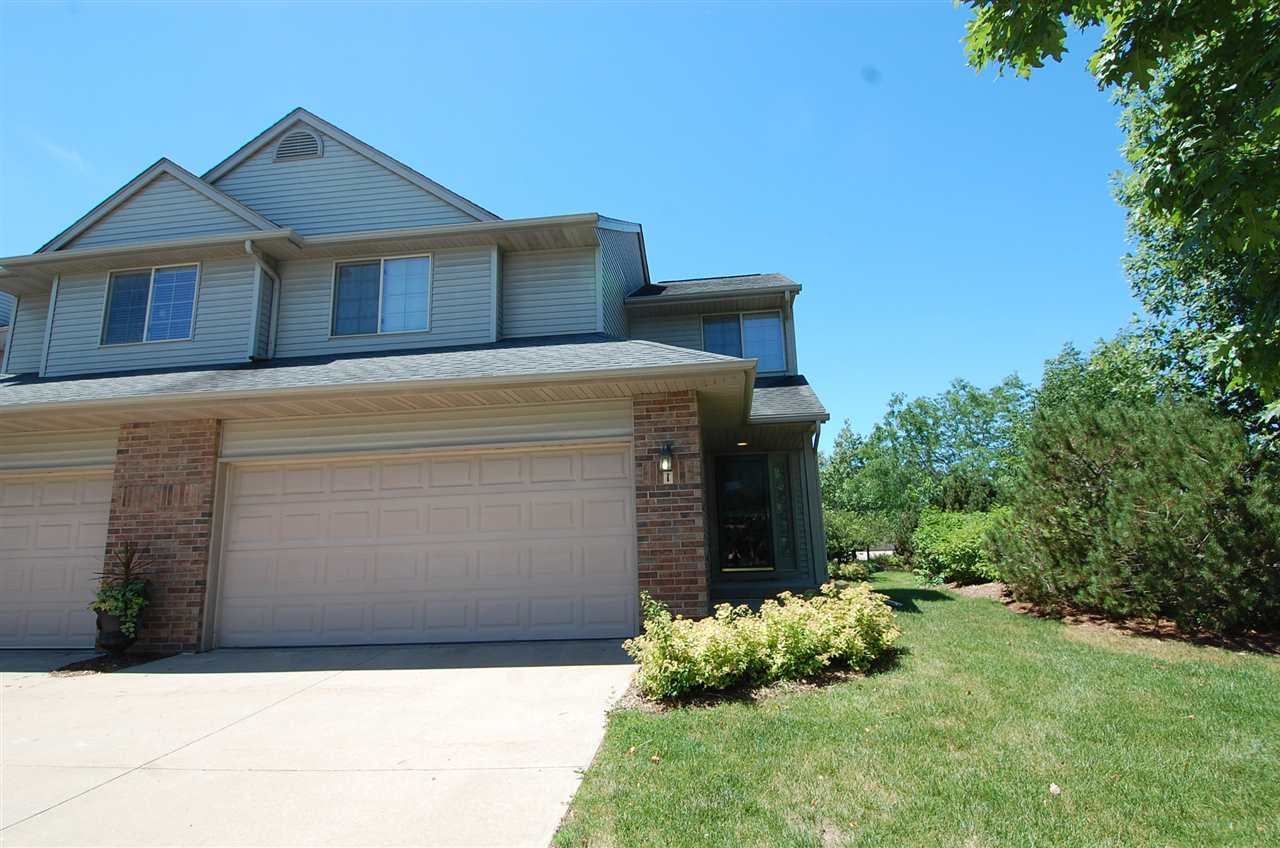 2335 Mulberry St, Coralville, IA 52241