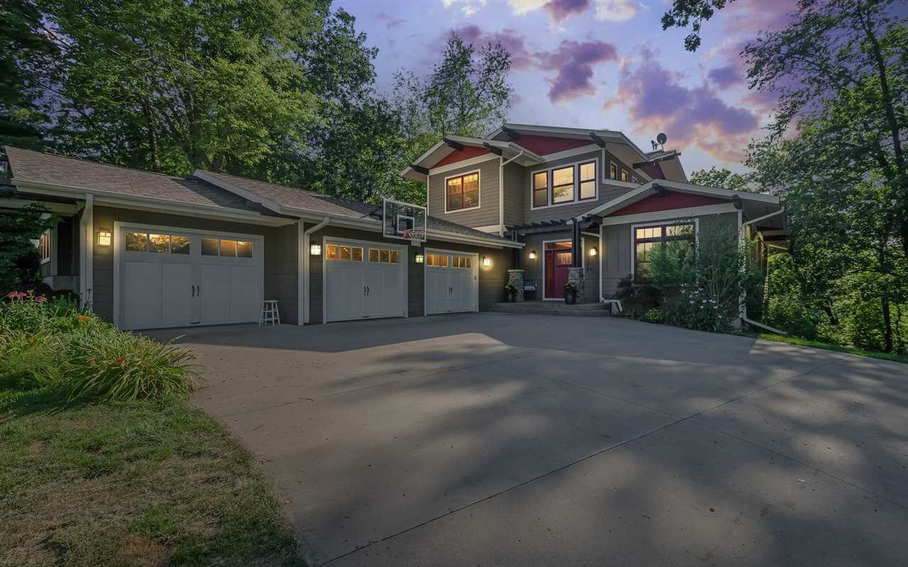 1814 Brown Deer Hollow, Coralville, IA 52241