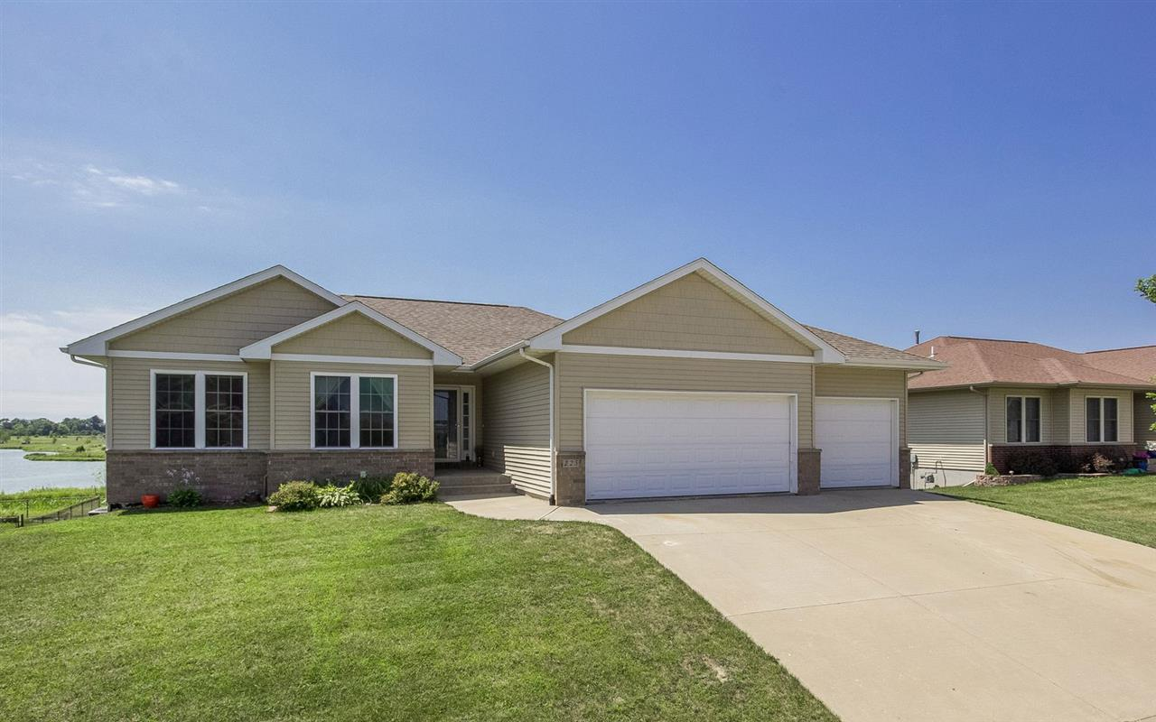 225 Lily Pond Rd, North Liberty, IA 52317