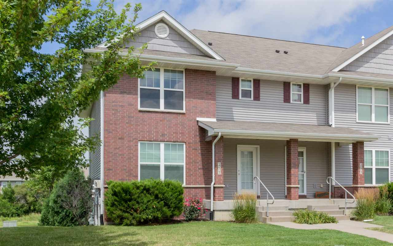 257 Huntington Dr., Iowa City, IA 52245