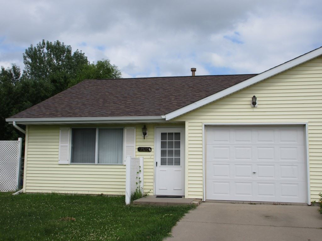 2520 Whispering Prairie Ave, Iowa City, IA 52240