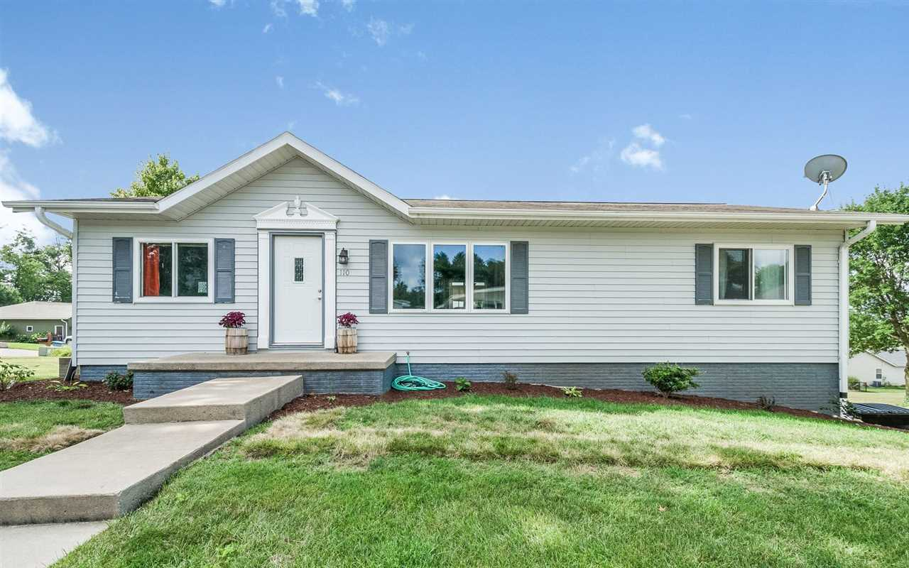 110 Lakeshore Dr., Williamsburg, IA 52361