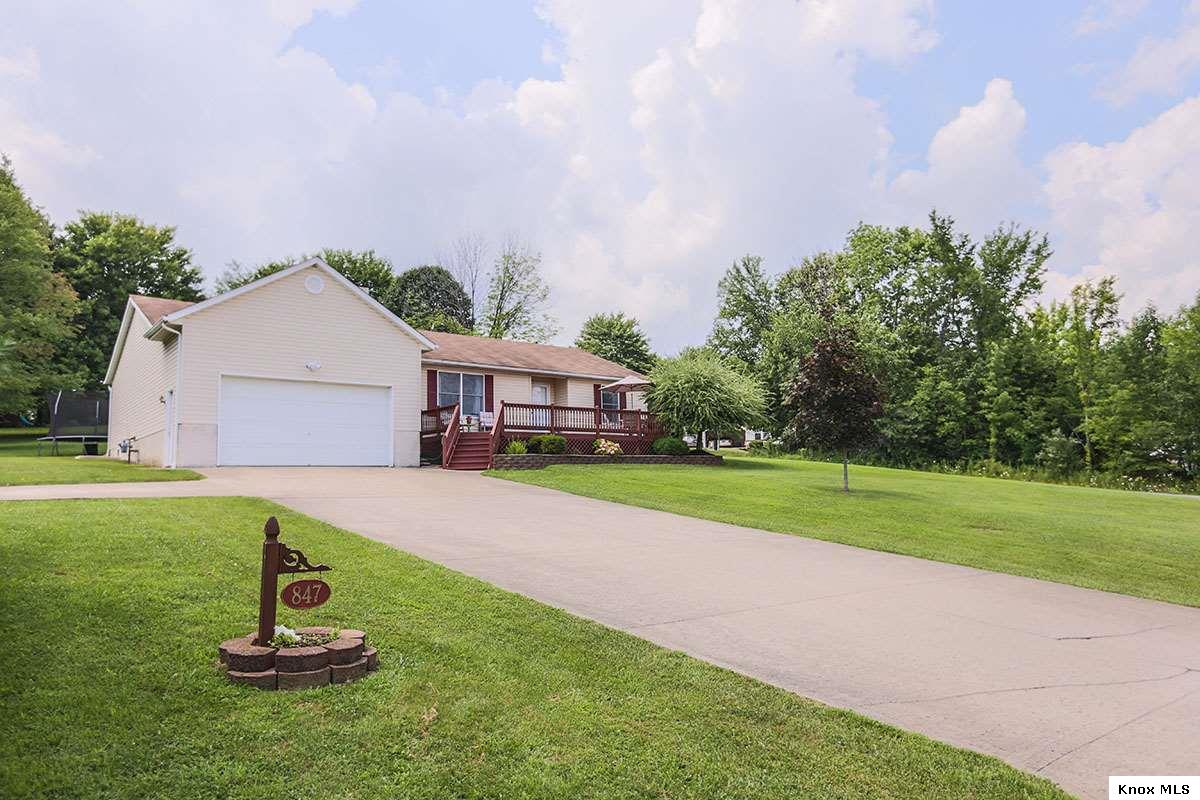 847 Fairway Drive, Howard, OH 43028