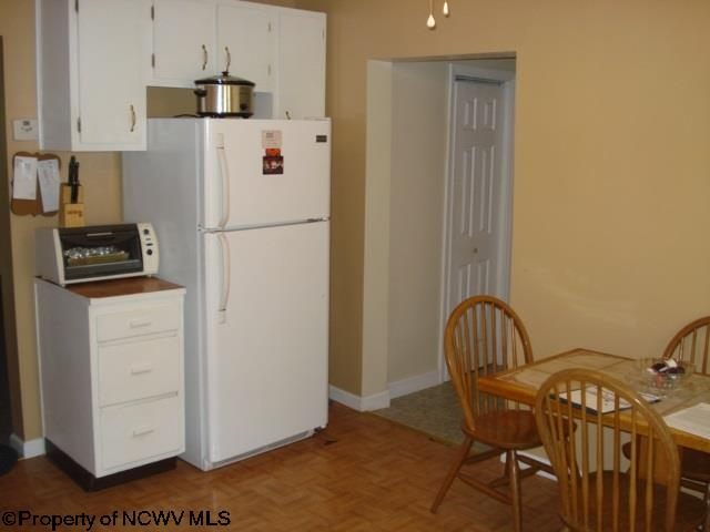 892 COUNTRY CLUB ROAD, FAIRMONT, WV 26554  Photo 3
