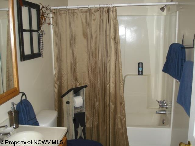 892 COUNTRY CLUB ROAD, FAIRMONT, WV 26554  Photo 8