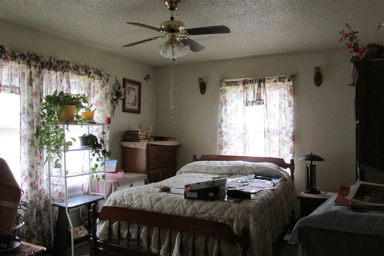 4220 MASON DIXON HIGHWAY, CORE, WV 26541  Photo 3