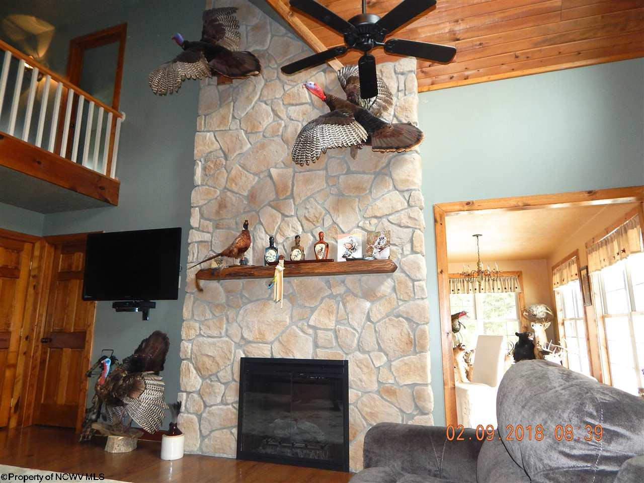 1015 RIVERVIEW DRIVE, FAIRMONT, WV 26554  Photo 9