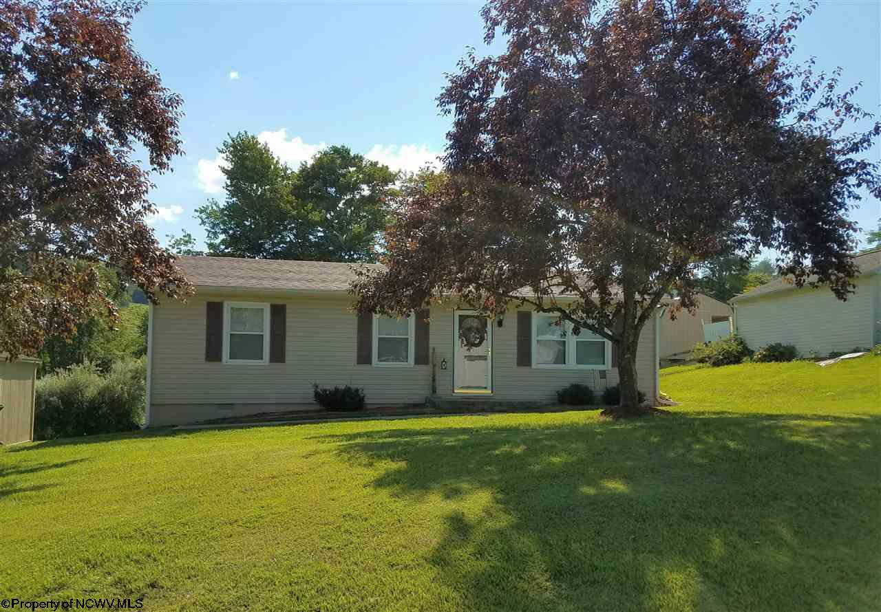 2101 MANUEL DRIVE, FAIRMONT, WV 26554  Photo 1