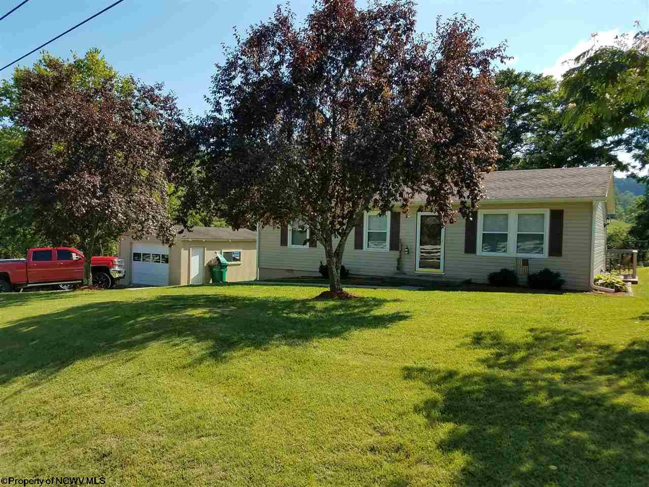 2101 MANUEL DRIVE, FAIRMONT, WV 26554  Photo 2