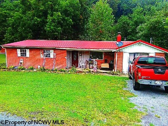 3303 WICKWIRE ROAD, GRAFTON, WV 26354