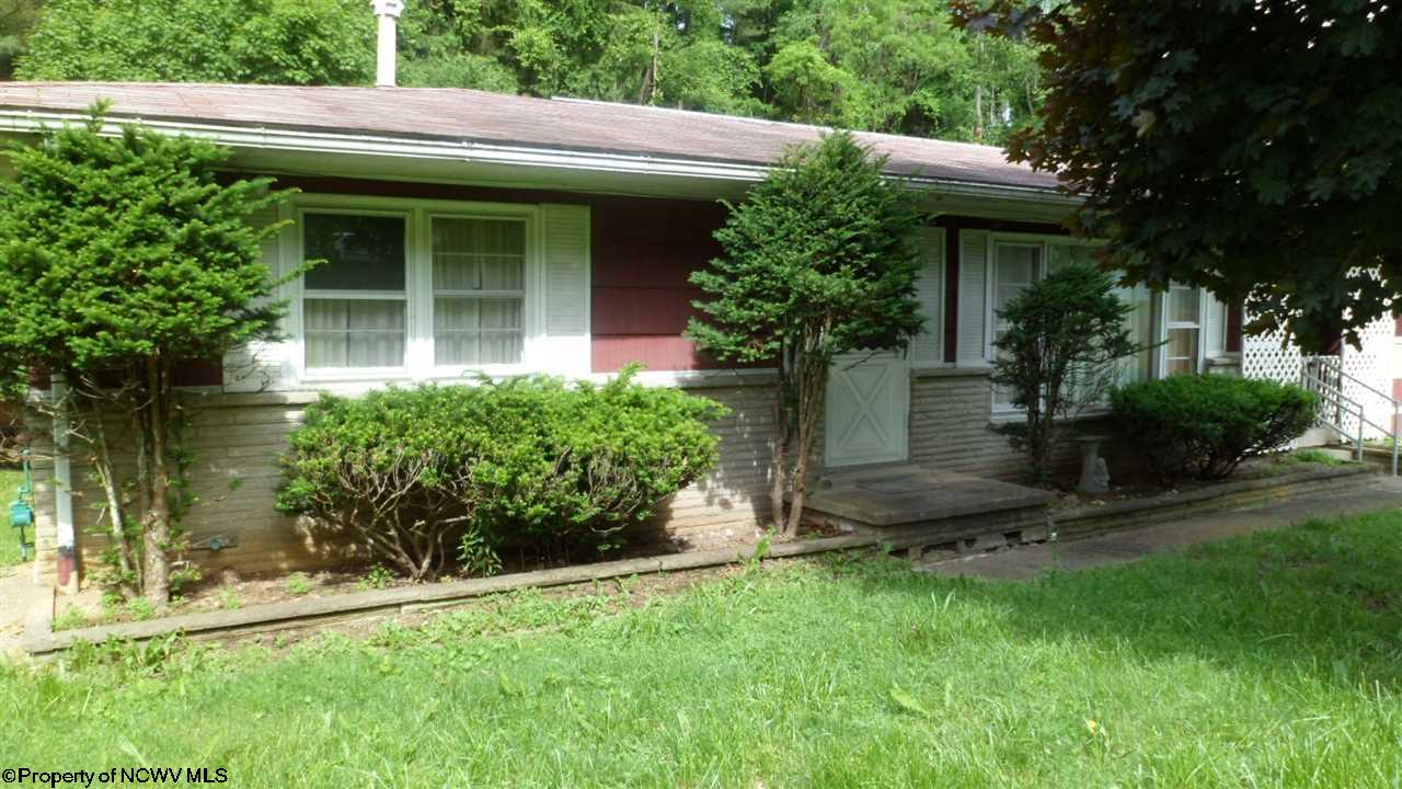 544 E GRAFTON ROAD, FAIRMONT, WV 26554