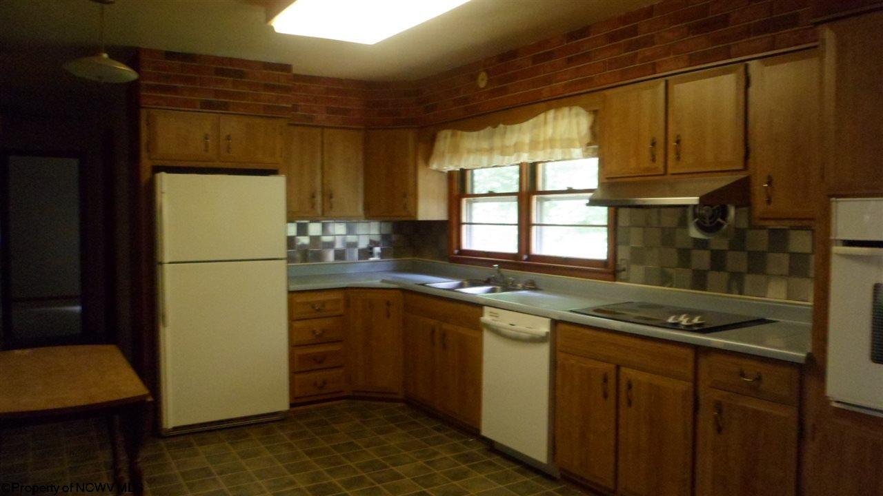 544 E GRAFTON ROAD, FAIRMONT, WV 26554  Photo 4
