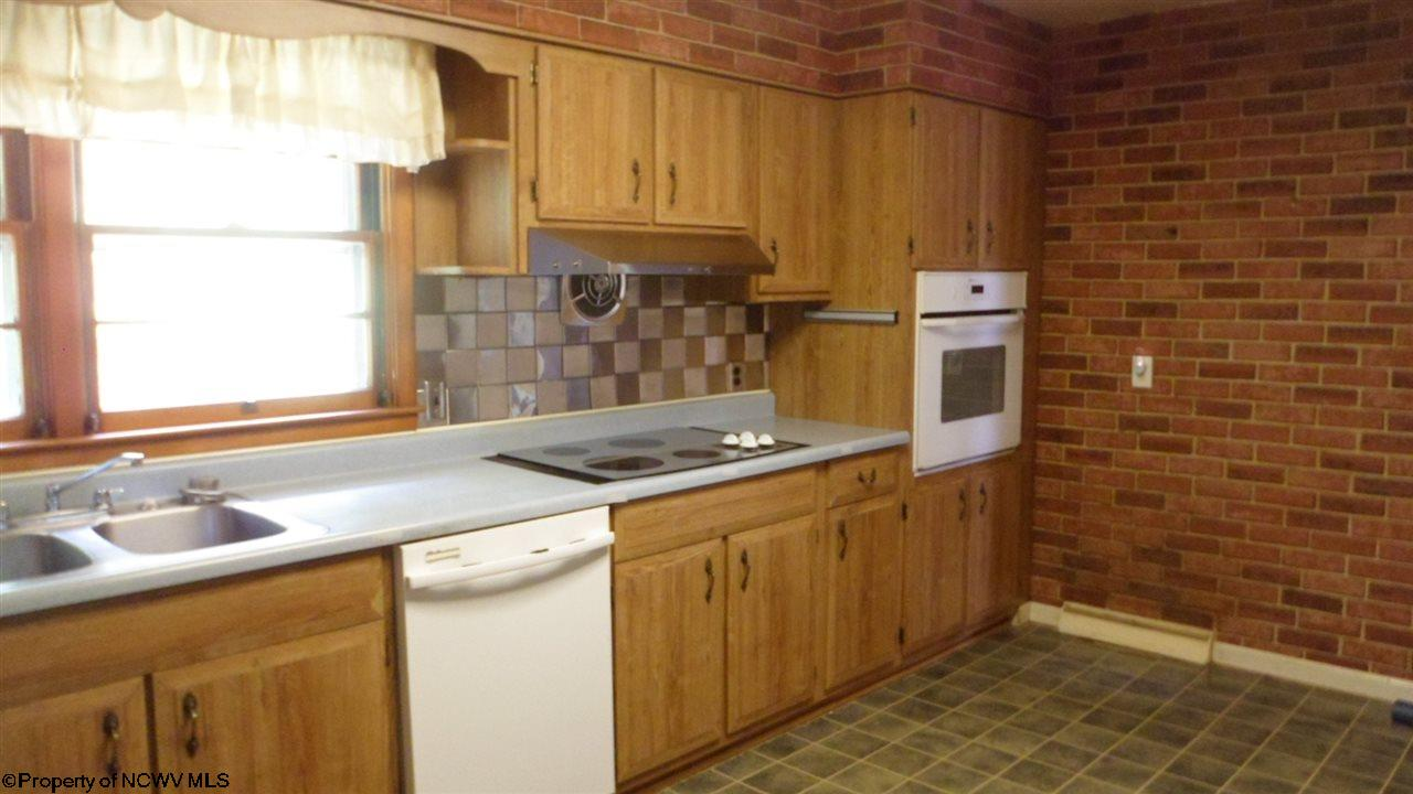 544 E GRAFTON ROAD, FAIRMONT, WV 26554  Photo 5