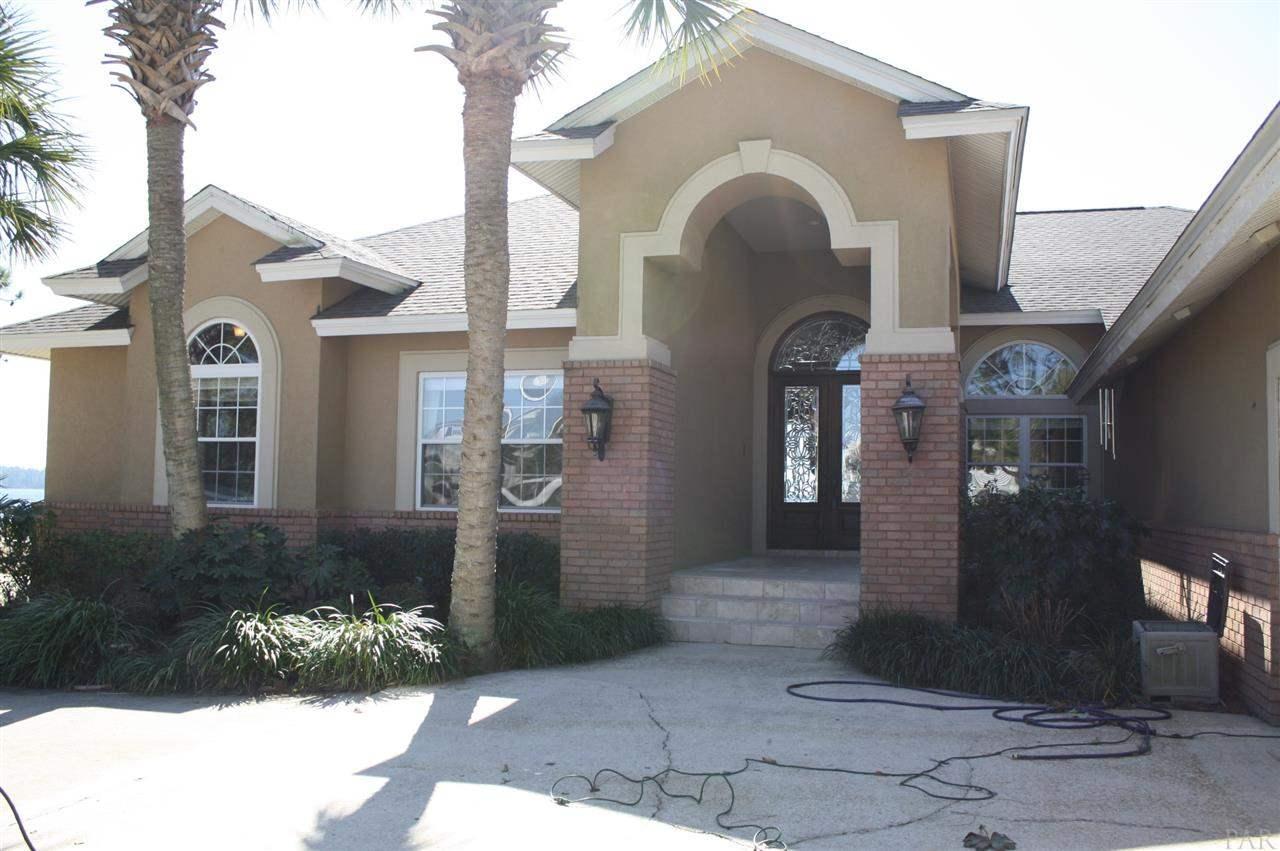 Milton                                                                      , FL - $799,900