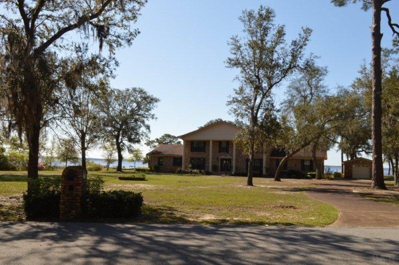 Milton                                                                      , FL - $750,000