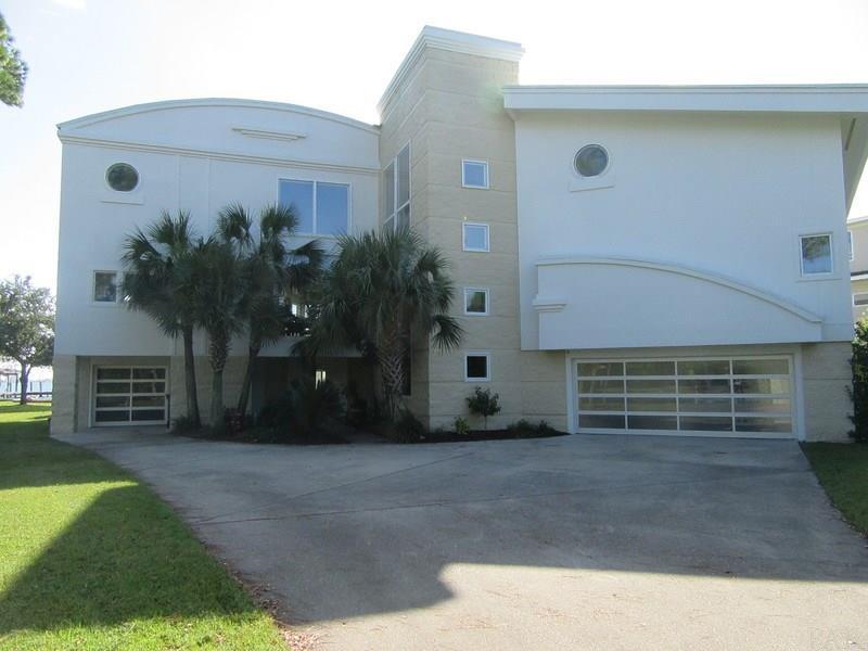 Gulf Breeze                                                                      , FL - $1,650,000