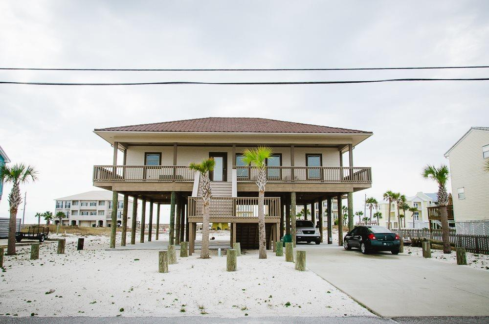 7911 WHITE SANDS BLVD, NAVARRE BEACH, FL 32566