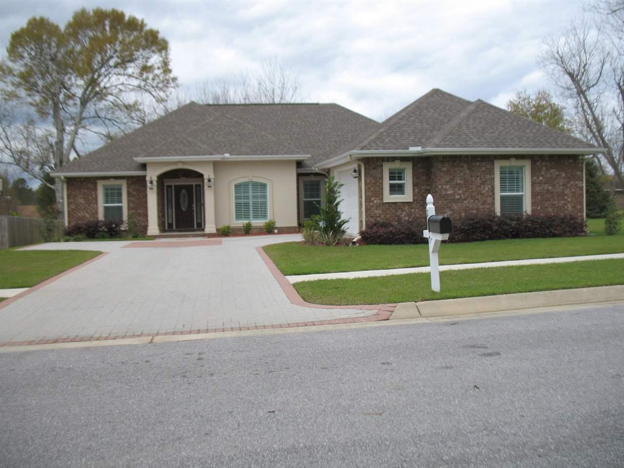 2177 STAFF DR, CANTONMENT, FL 32533