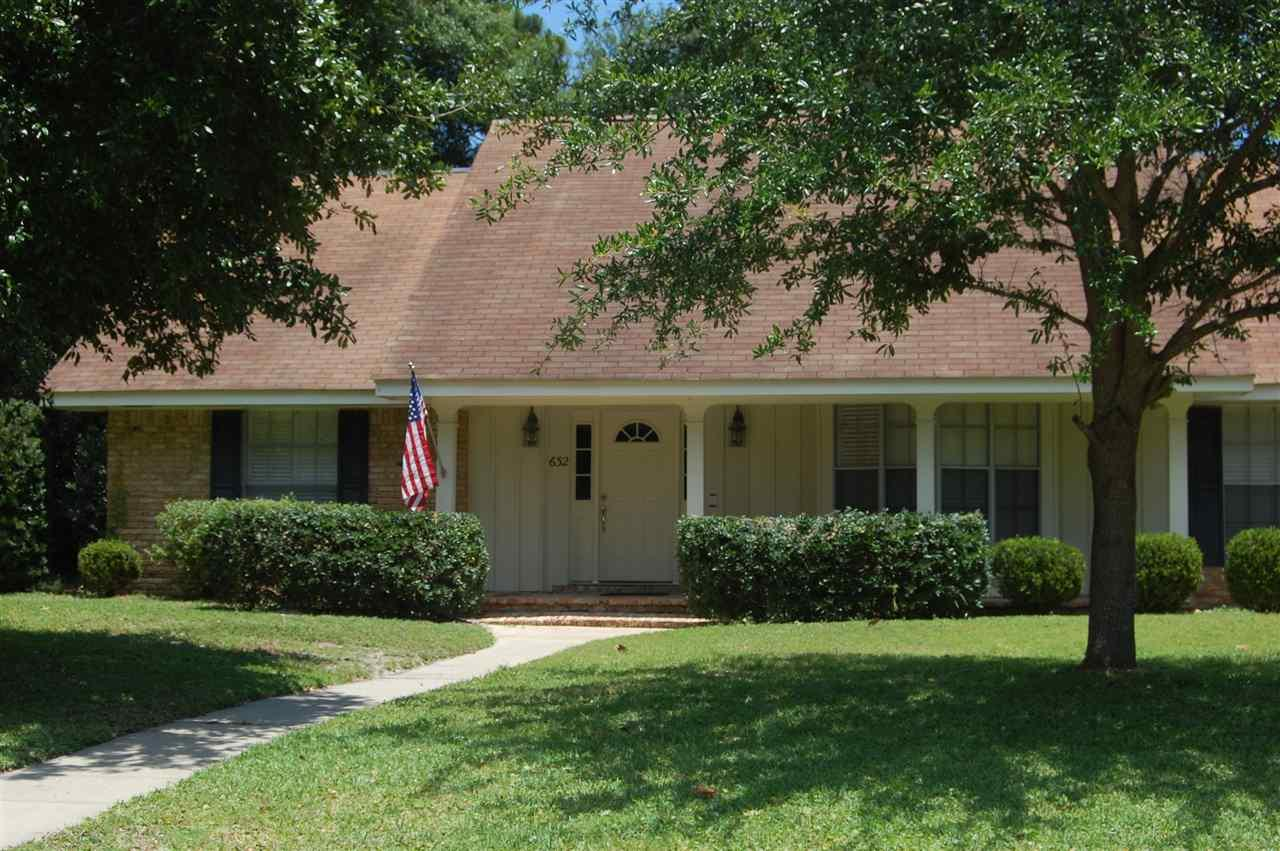 632 BAY CLIFFS RD, GULF BREEZE, FL 32561