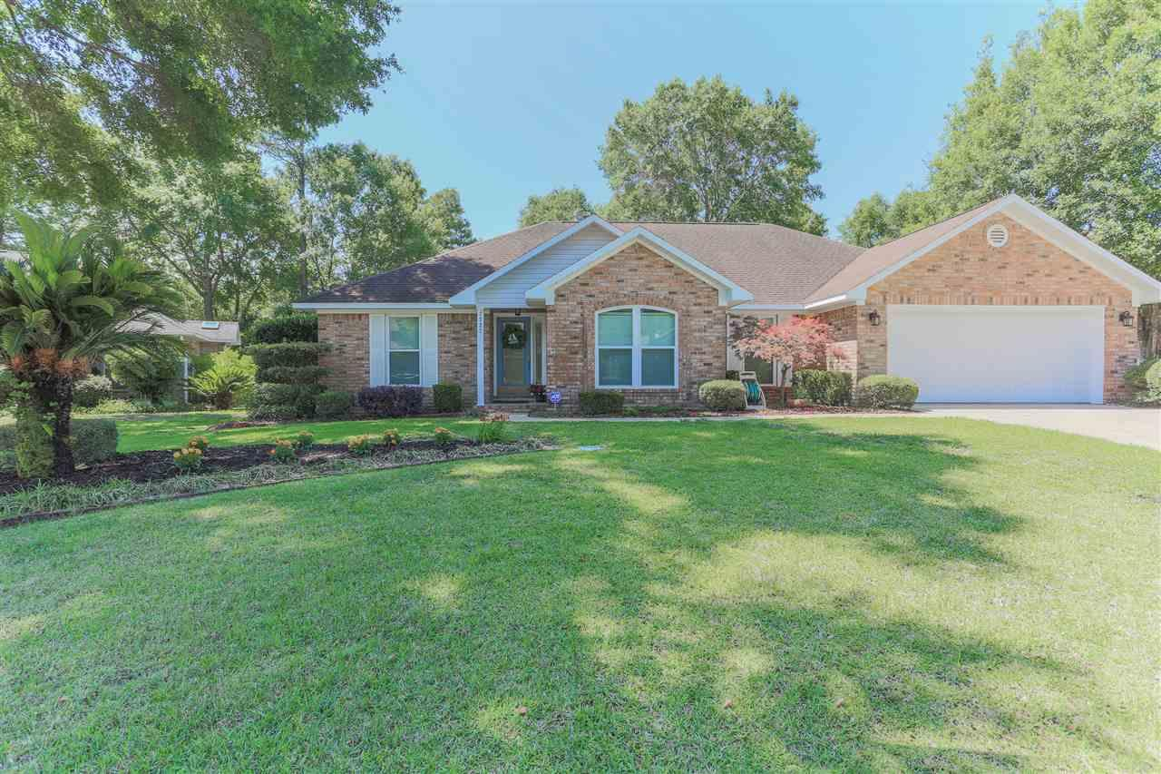 1727 DONEGAL DR, CANTONMENT, FL 32533