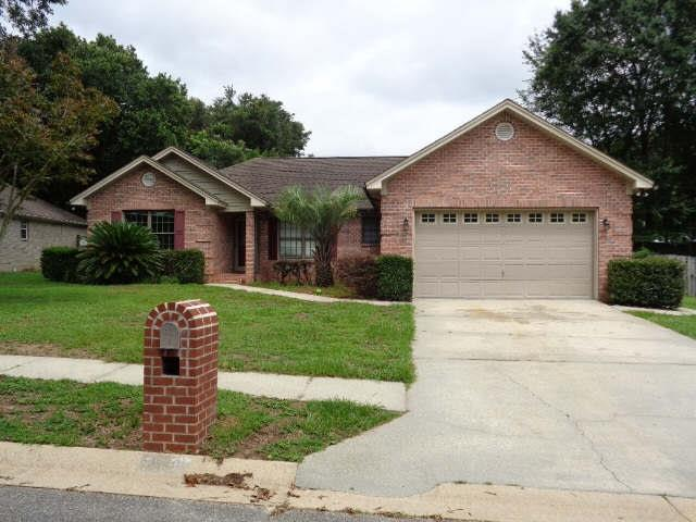 1530 HUNTERS CREEK DR, CANTONMENT, FL 32533