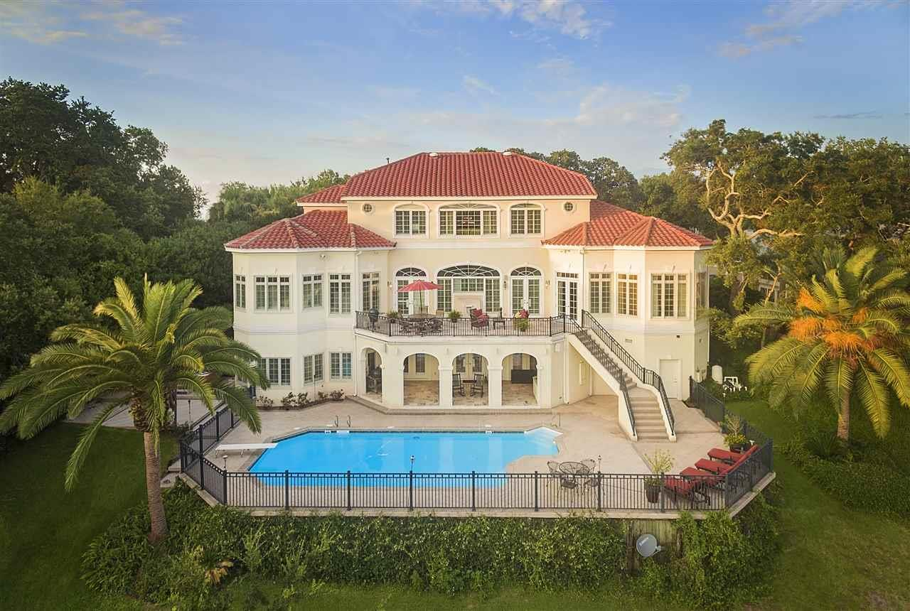 Gulf Breeze                                                                      , FL - $2,349,000