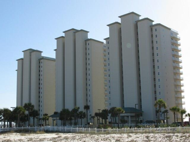 Beautiful 1 Bedroom, 1 Bath, Gulf Front condo located on the third floor in the Inn at Summerwind. Features a community pool and gym with easy access to the Navarre Beach Pier. Great view of the Emerald Waters and White Sandy Beach only a few steps away! These one bedrooms don't last long!