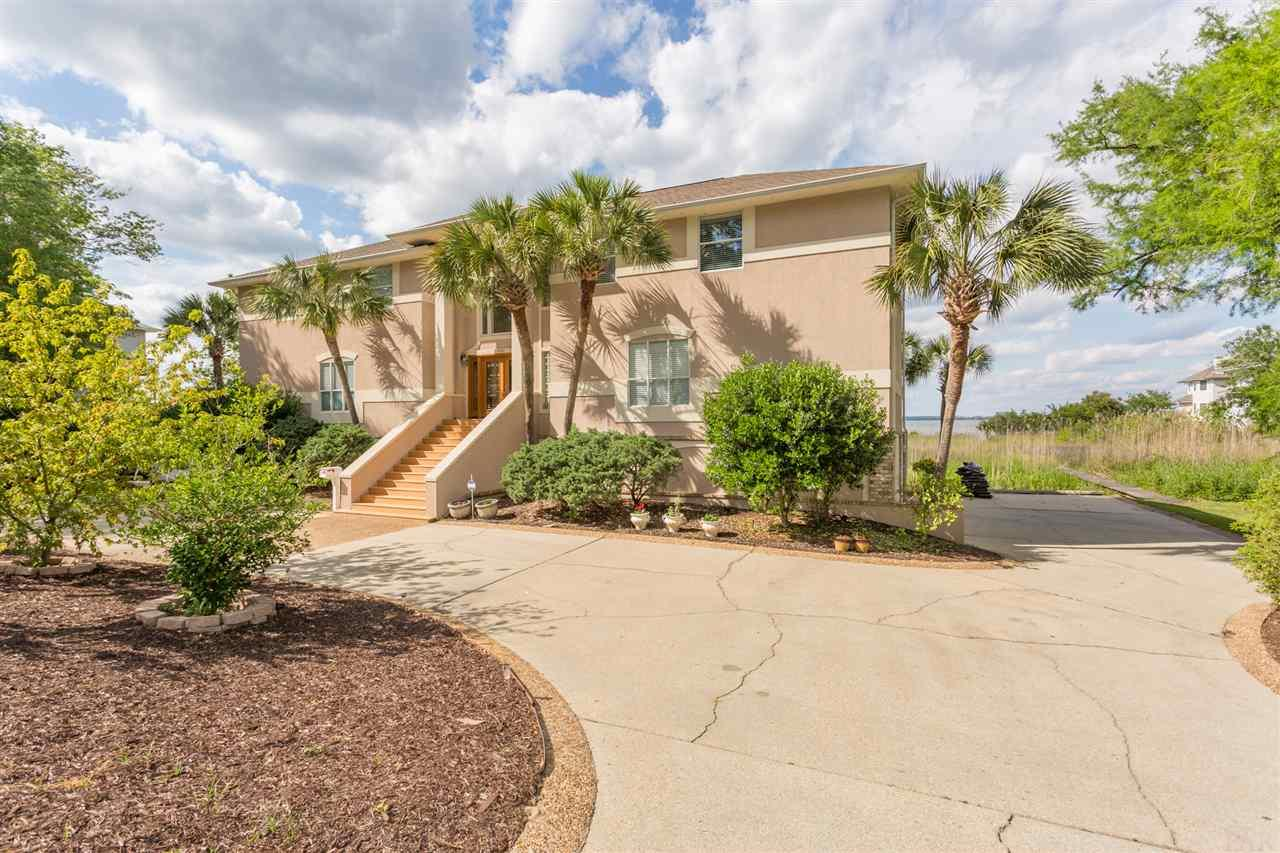8690 SCENIC HWY, Pensacola, Florida