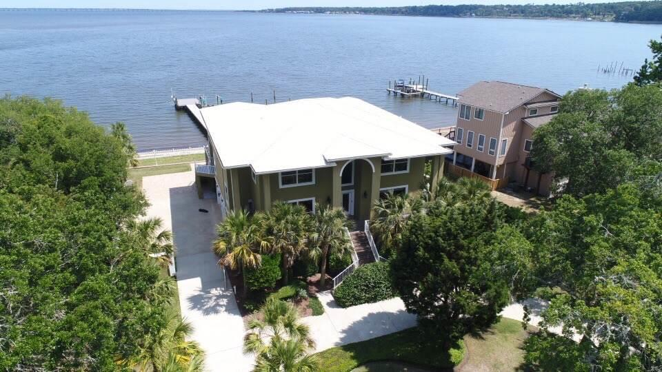 3699 MACKEY COVE DR, Pensacola, Florida