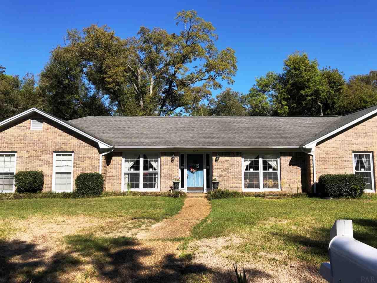 6279 WINDWOOD DR, Pensacola, Florida