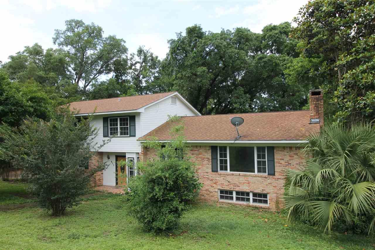 811 WOODBINE DR, Pensacola, Florida