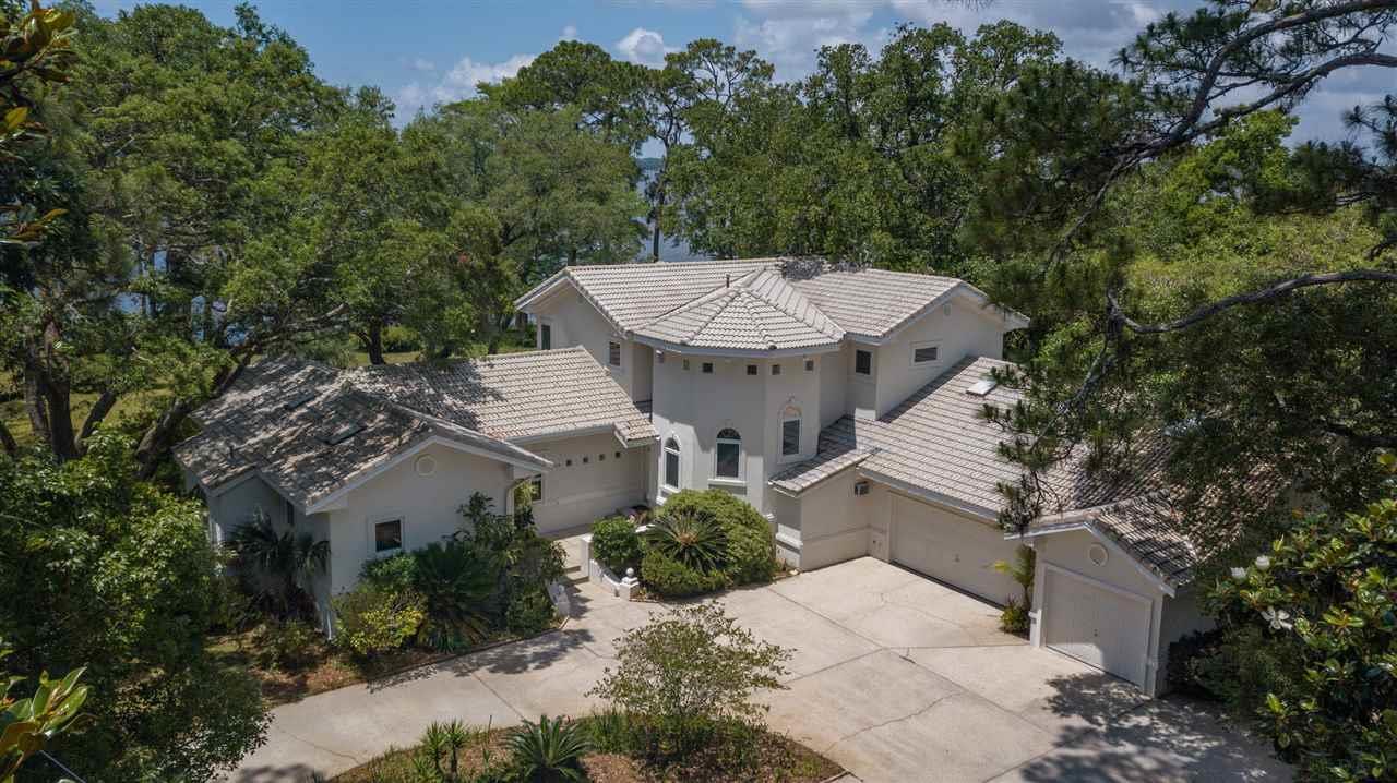 1051 PARADISE LN, Pensacola, Florida