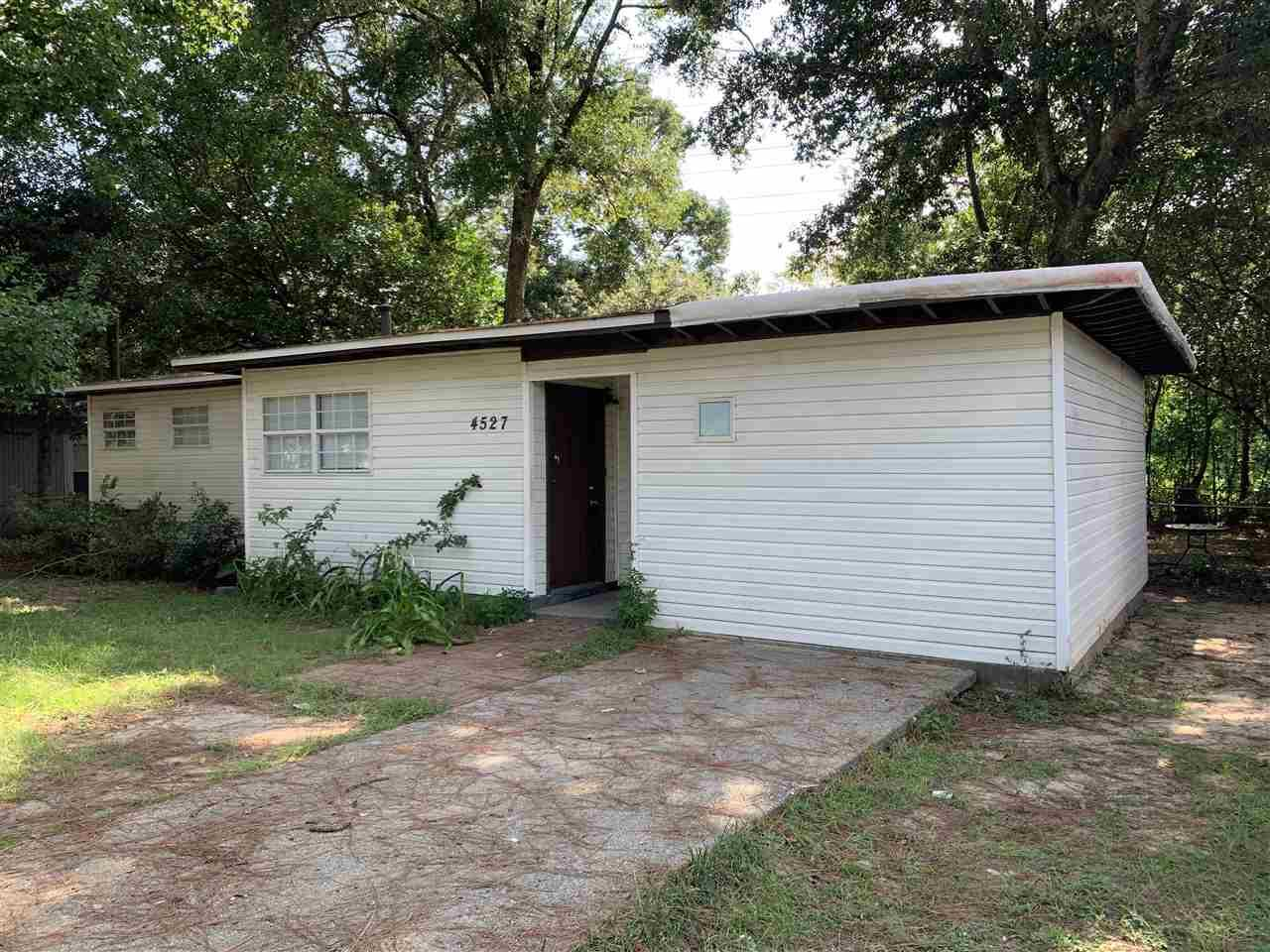 4527 VERSAILLES DR, Pensacola, Florida