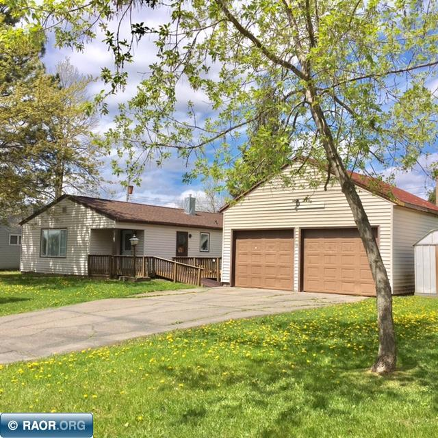 16 E 4th Avenue, Aurora, MN 55705