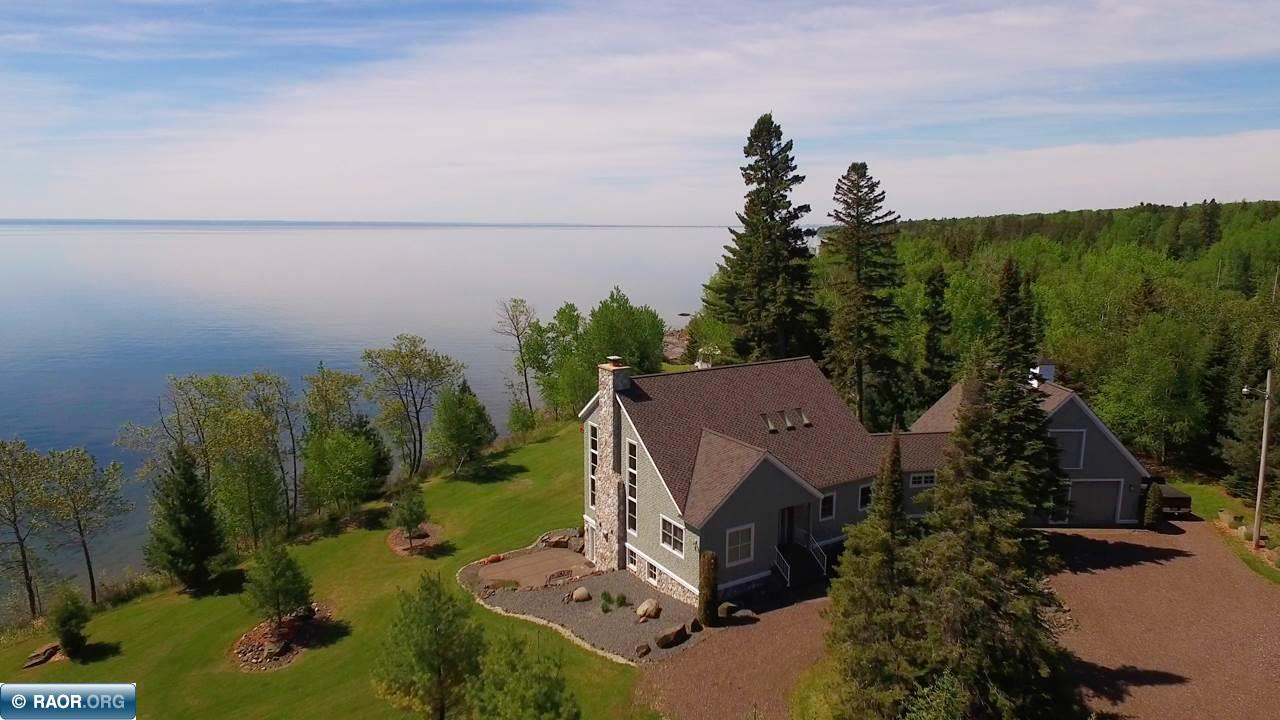 5384 North Shore Drive, Duluth, MN 55804