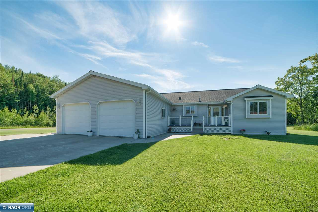 521 W 16th Ave, Eveleth, MN 55734
