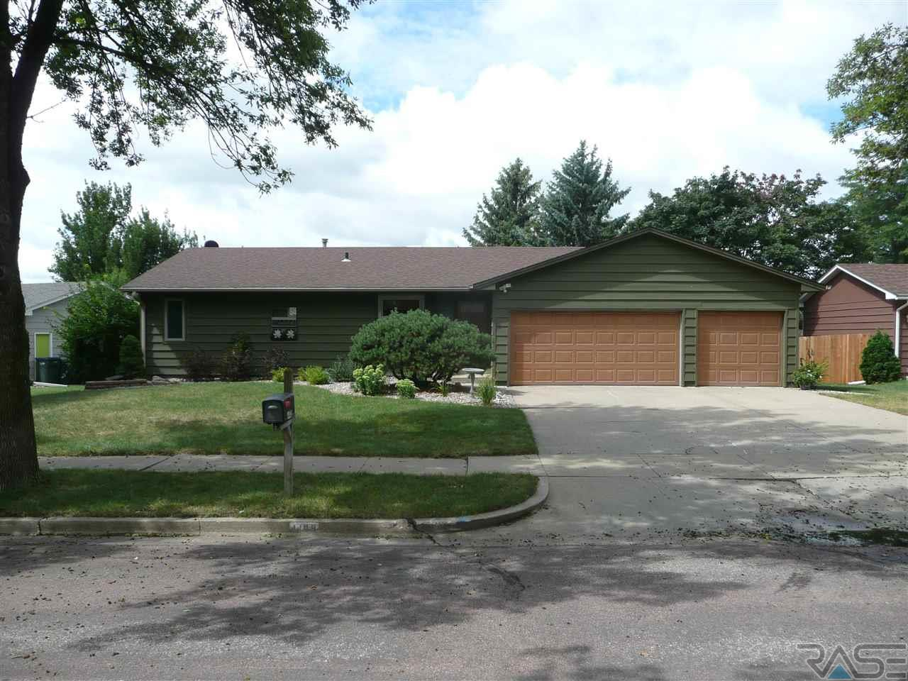 4409 S Hickory Hill Rd, SIOUX FALLS