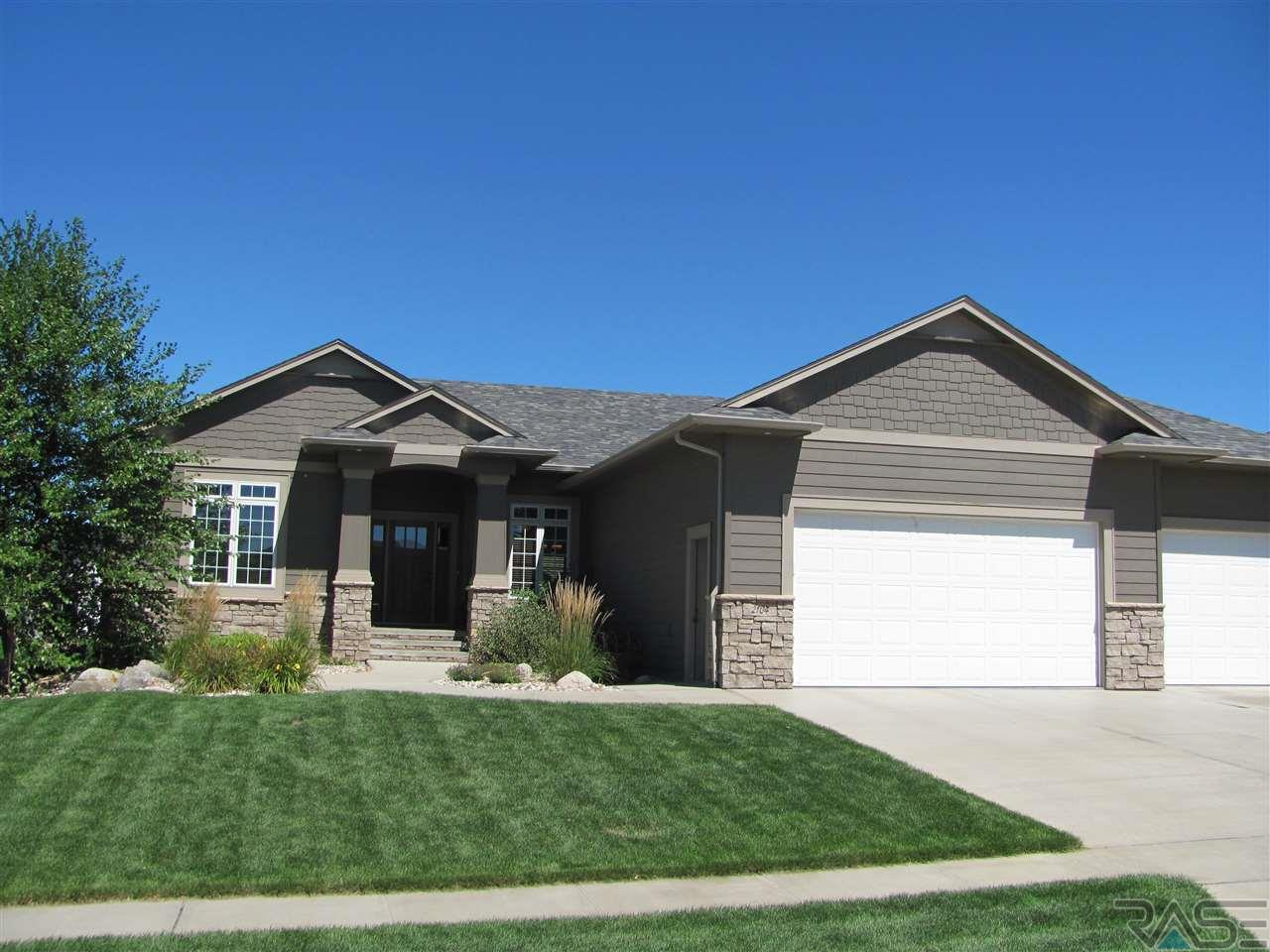2104 S Silverpine Ct, SIOUX FALLS